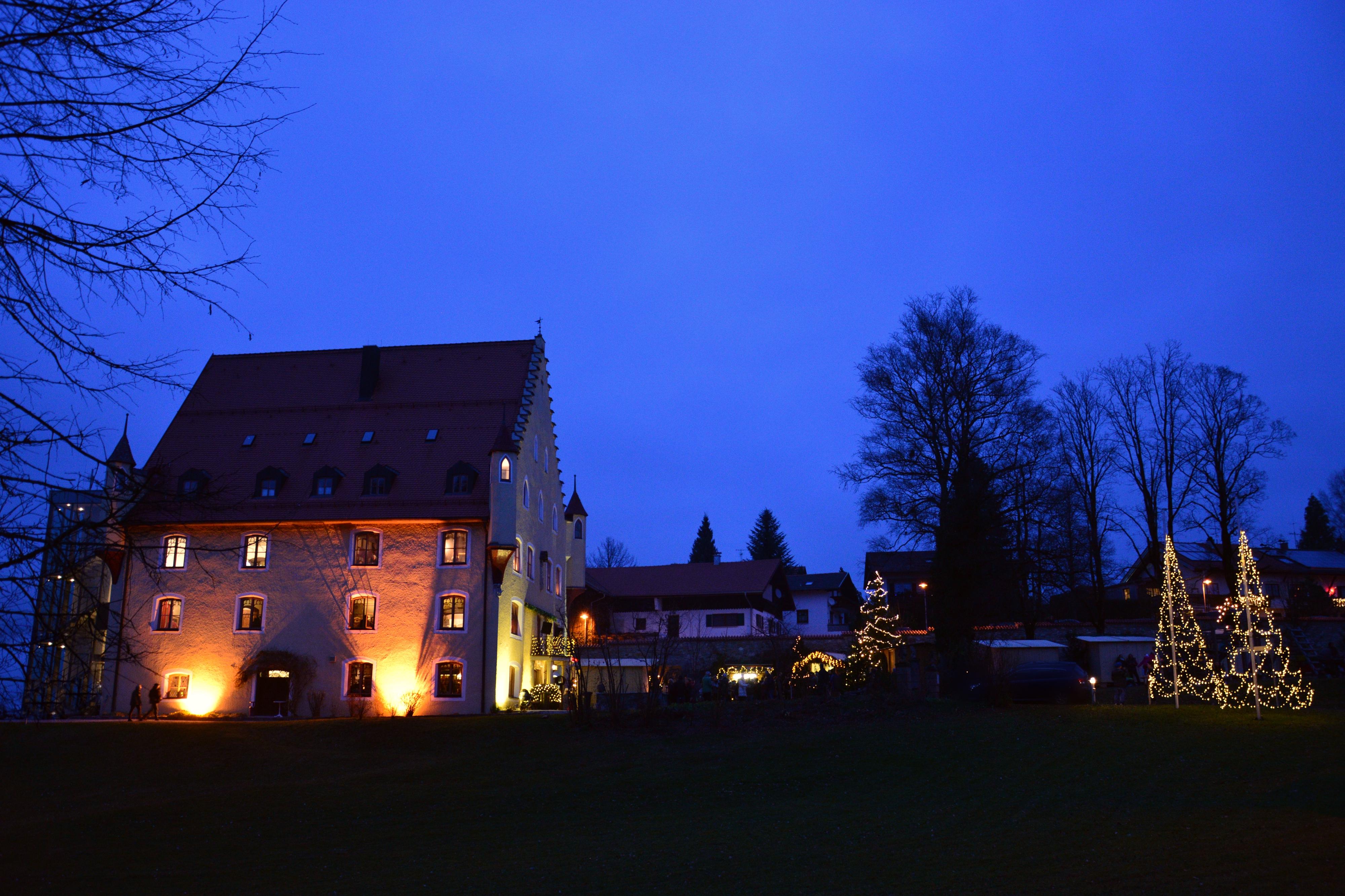W0272 Weihnachtsmarkt Schloss Hopferau 2016.jpg