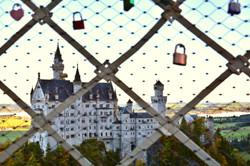 B0113_Schlösser_am_Schloss_Neuschwanstein.jpg