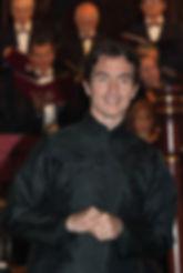 Pascal STUTZMANN dirigeant l'Ensemble Vocal d'Arles