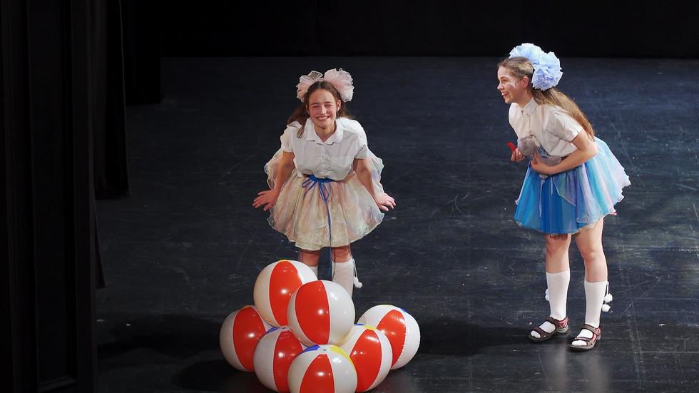 """Birmingemas Mazā teātra Jauniešu studija. Hermanis Paukšs """"Vairāk nekā mums nav!""""29/05/2019."""