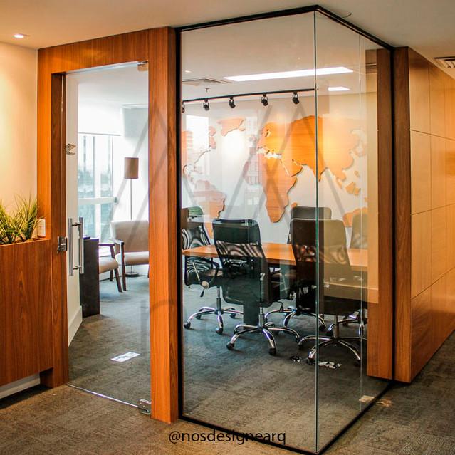 corporativo-gtda-sala-reuniões-vidro-ilu