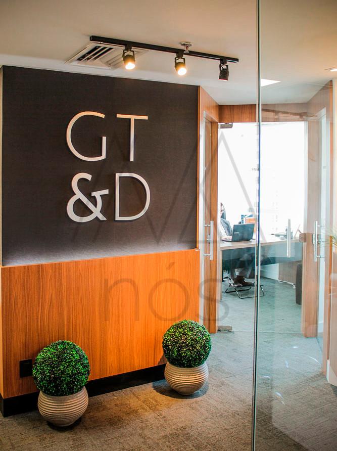 corporativo-gtda-hall-logo-iluminação-ad