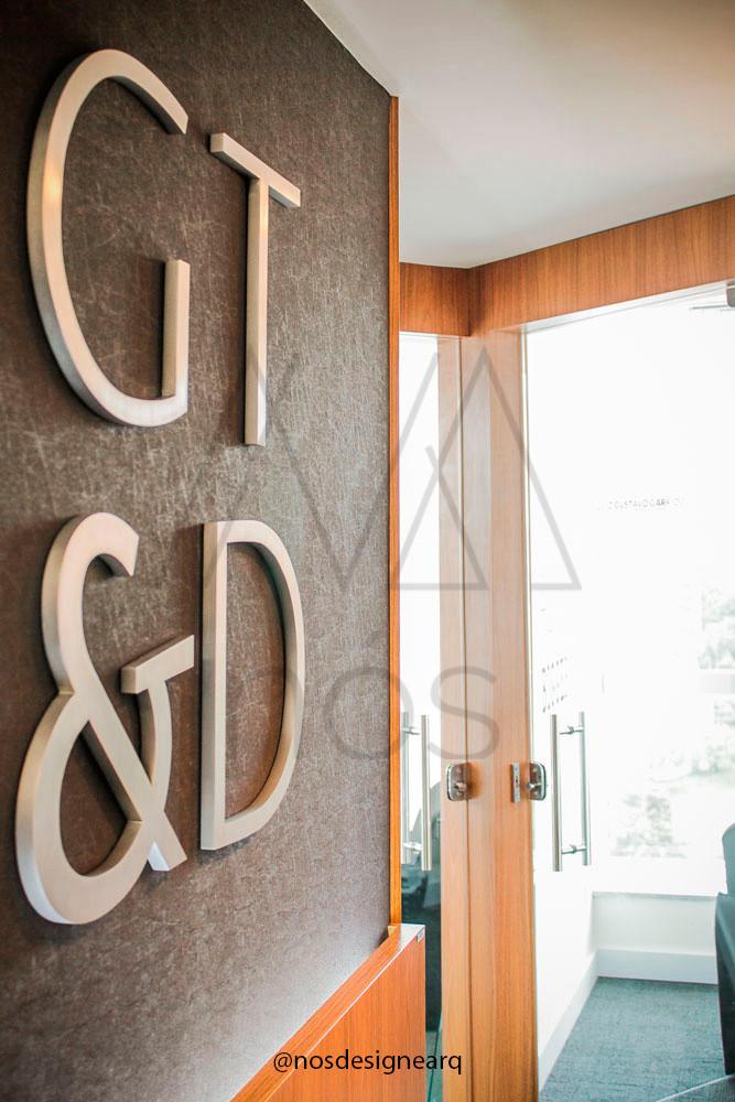 corporativo-gtda-hall-logo-papel-parede-