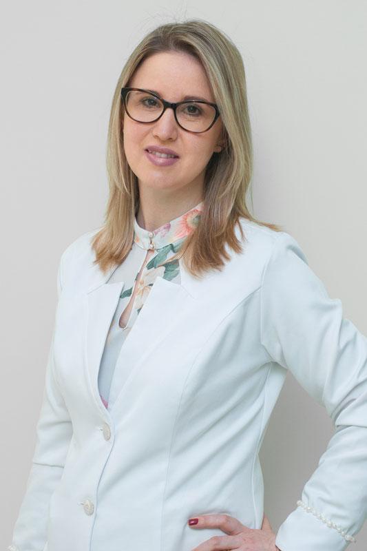 Dra. Daiane Cristine Dörr