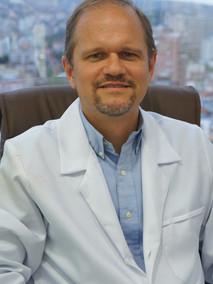 Dr. Vitor Binda