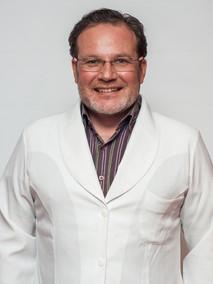 Dr. André Bonfanti