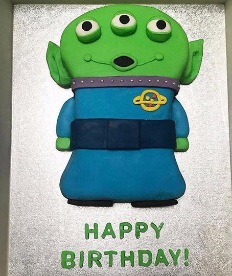 Really%20enjoyed%20making%20this%20one!%203D%20Toy%20story%20alien%20cake%20%F0%9F%92%9A%20%23toysto