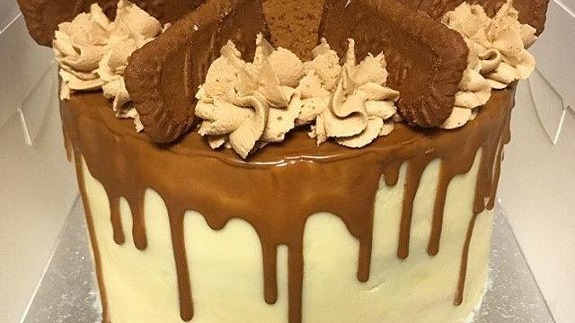 Lotus Biscoff Drip cake