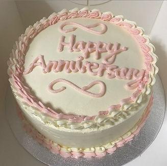 A classic Victoria sponge cake with vani