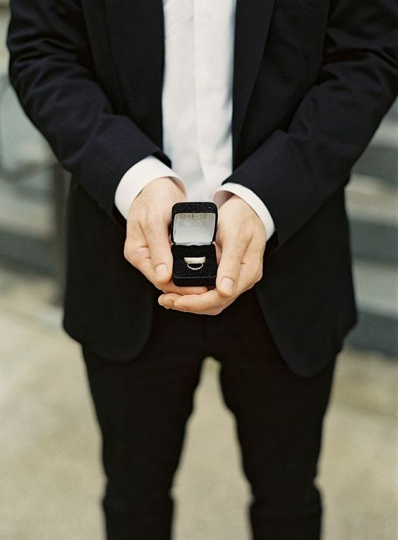 expert wedding love ring