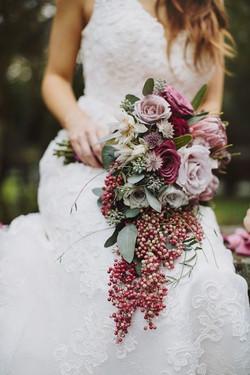 expert wedding bride