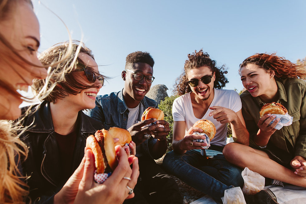 burger, picnic, group meal, friends, eat