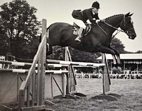 about-amanda-showjumping-at-burghley_edi