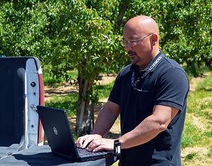 ray computer crop-wat.jpg
