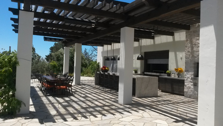 Modern Outdoor Patio Design