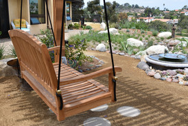 Swing Bench in Encintas