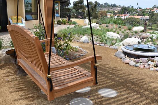Swing Bench in Encintas