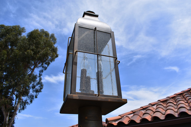 Light Post Installer in Encinitas
