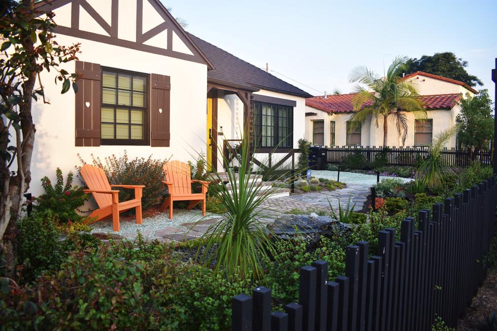 Frontyard Seating in Crown Point Landscape