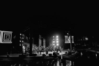 02.On Stage-05676.jpg