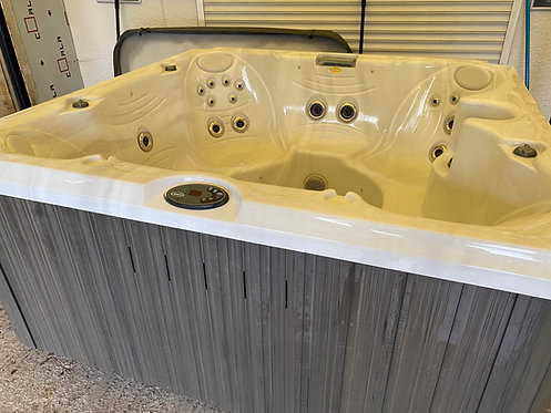 Preowned Jacuzzi 245 Spa