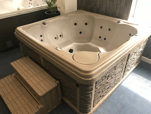 Preowned Strong Spa Hot Tub