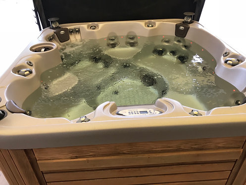 Preowned Coast Spa Zenith Hot Tub