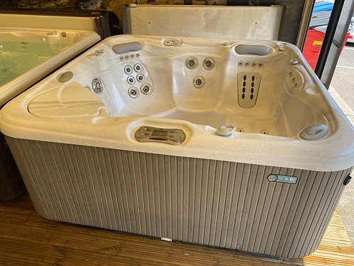 Preowned Hotsprings Aria Hot Tub