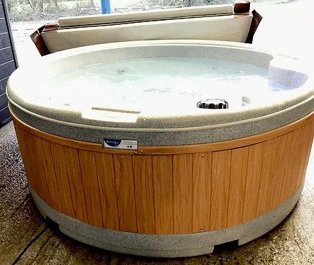 Preowned Rotospa Orbis Hot Tub