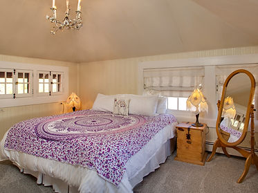 Guestroom-at-Rockledge.jpg