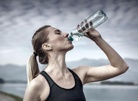 Waarom moet je altijd voldoende water drinken?
