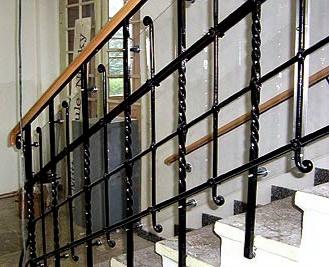 Treppengeländer Schulgebäude Niesky
