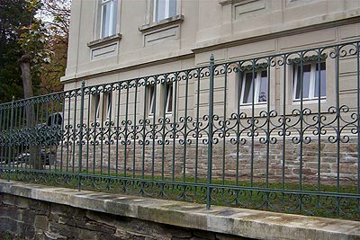 Zaun Weiße Villa Pobershau