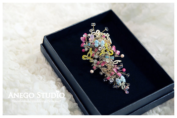 Color handmade jewelry boutonniere
