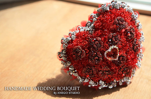 Heart crystal jewelry bouquet