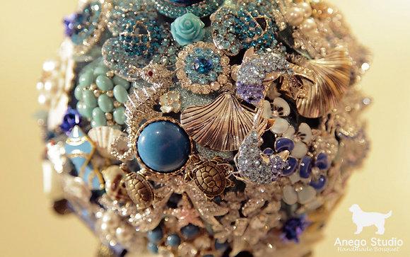 Blue ocean jewelry bouquet