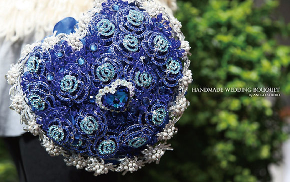 "the ""Heart of the ocean"" handmade bouquet"