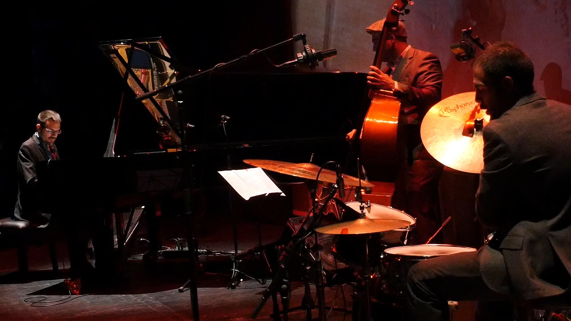 Juan Ortiz Trio