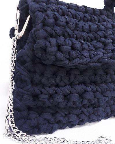 Bolsa de Crochê Fio de Malha Azul Marinho - Modelo Honi
