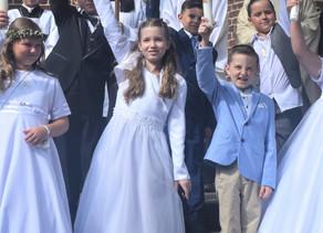 Ein Anfang und ein Ende - Erstkommunion in St. Marien