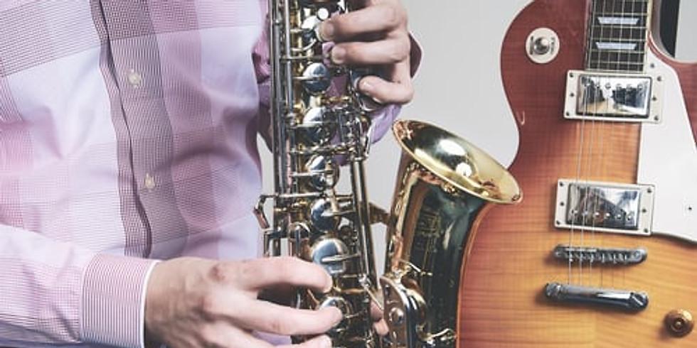 Jazz in der Kirche mit Hugo Read am Saxophon und Band