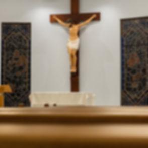 Crucifix%20of%20Christ%20statue_edited.jpg