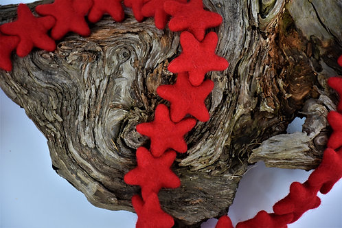 Red wool star garland
