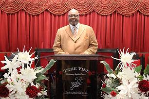 Pastor 11.23.14.JPG