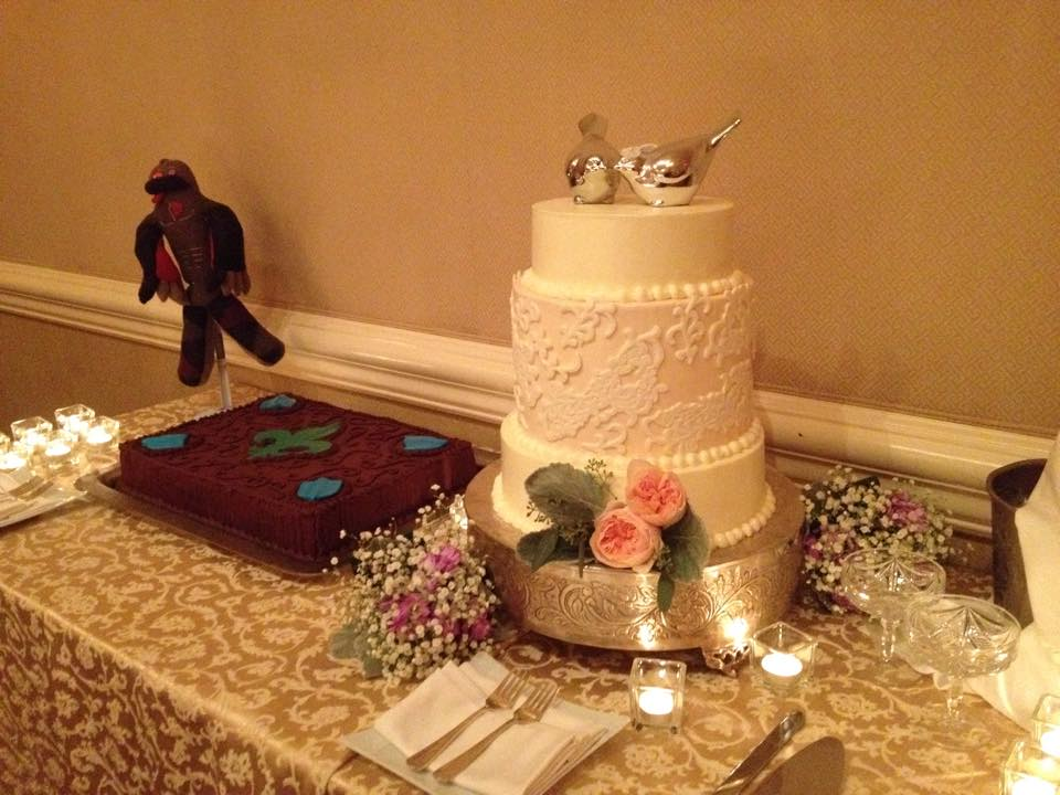 Buttercream Bride & Groom's Cake