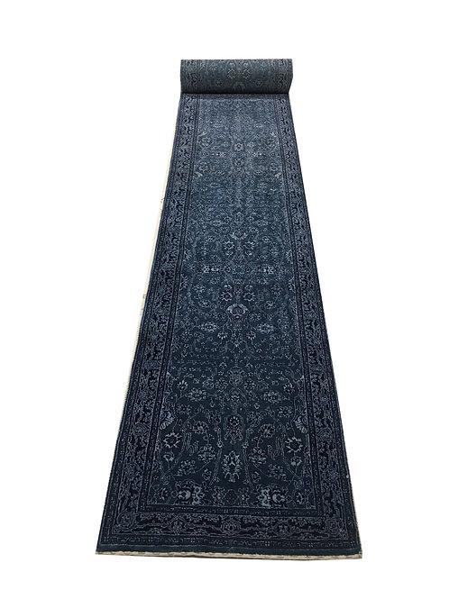 """4070 12/12 LORI 2' 9"""" X 23' 9"""" Wool"""