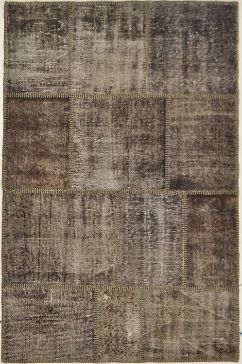 "1062 PATCHWORK 4' 2"" X 6' 4"" Wool"