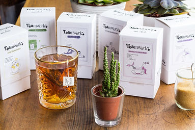 Quriky brand and packaging illustrations for a teabrand