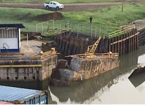 Colapsa una estructura de esclusa del Canal de Panamá