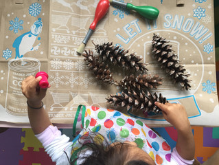 Holiday Craft: Pinecone Christmas Trees